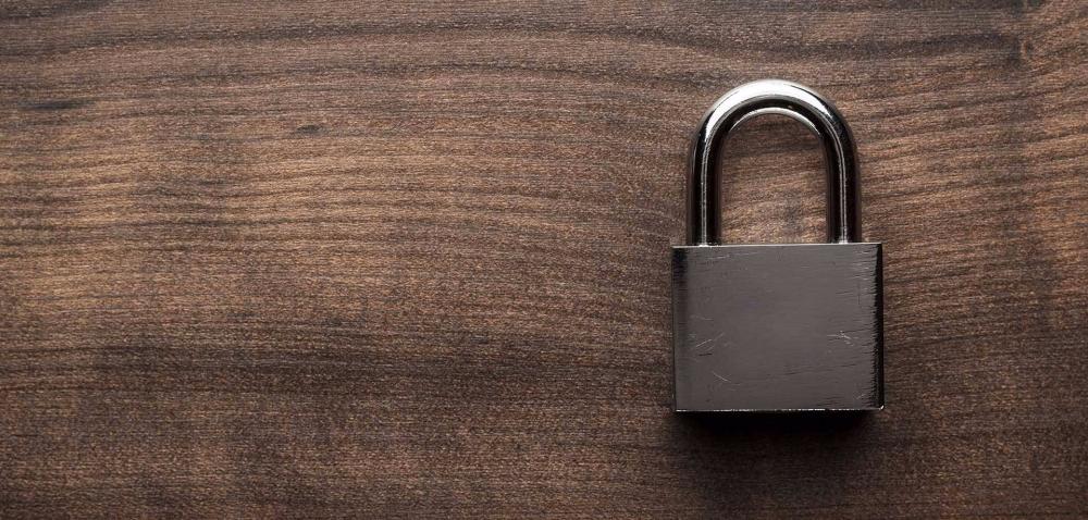 lock-on-wood.jpg